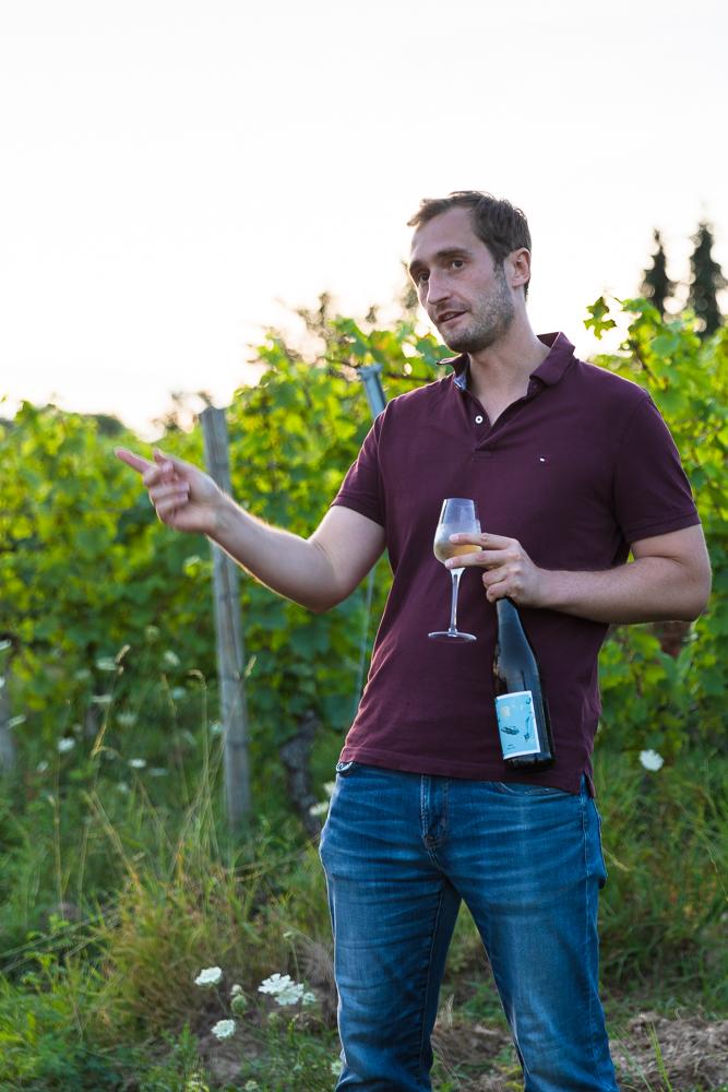 Vinventure Weinprobe mit Barbecue, Winzer stellt Wein vor